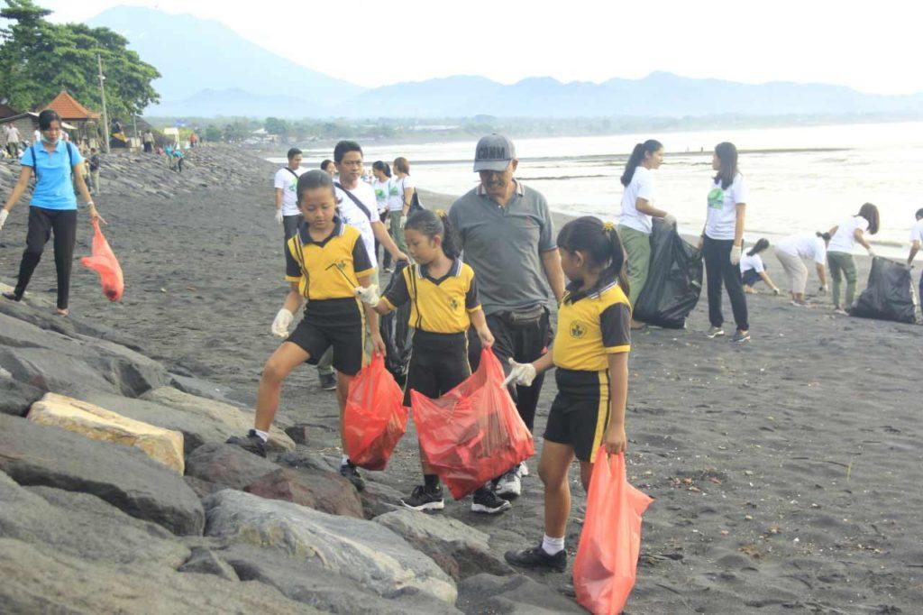beach clean up program